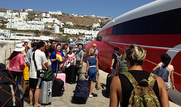 Greek-tourism-change-of-nationalities_greek-news